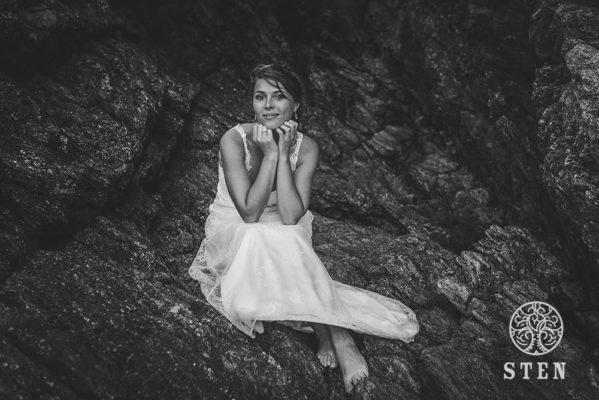 Mariée, rocher, plage, Saint Malo, mariage, stenphoto